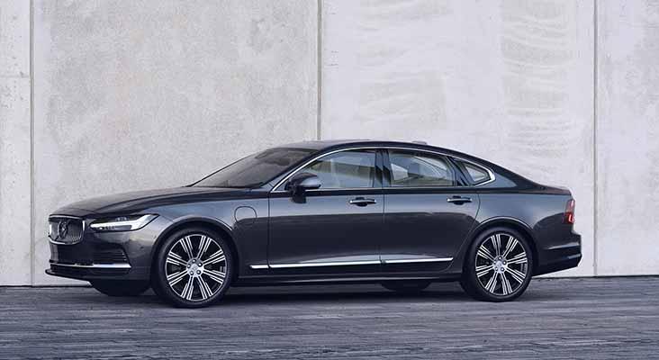 """Volvo Cars prezentējis """"S90"""" sedana un """"V90"""" universāļa atjauninātās versijas"""